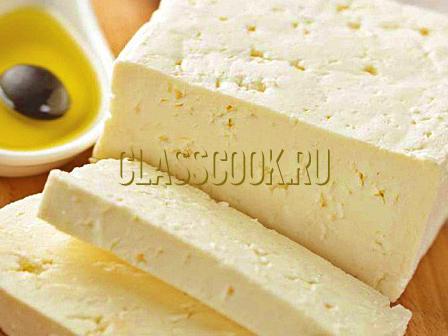 Домашний сыр фета.