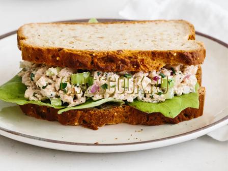Бутерброды с тунцом.