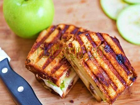 Бутерброды с яблоком.