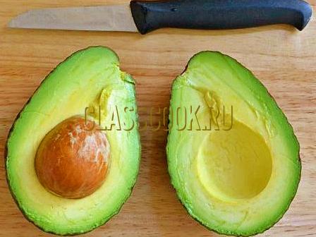 Как разрезать авокадо.