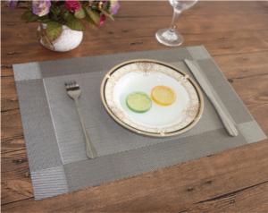 Сервировочный коврик на обеденный стол