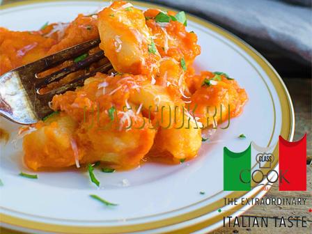 Картофельные ньокки, итальянская кухня.