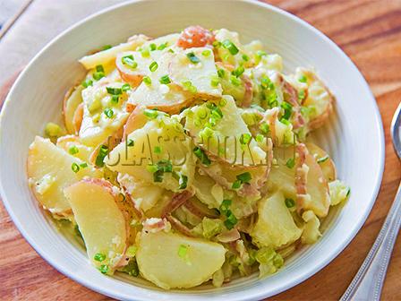 Картофель с чесноком и майонезом.