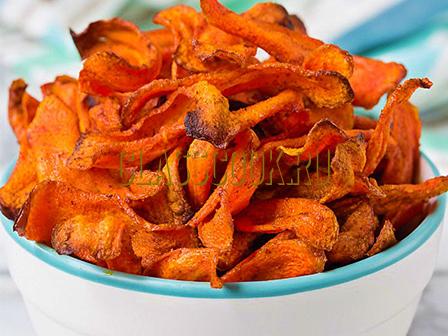 Морковные чипсы.
