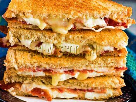 Сэндвич с сыром.