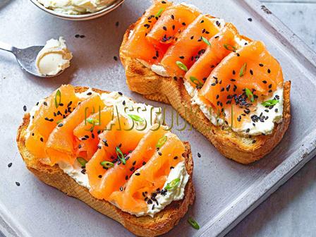 Бутерброды из лосося.
