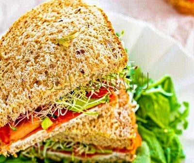 Бутерброды с богатым копченым лососем.